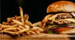Los alimentos extremadamente dañinos para el corazón que probablemente consumes