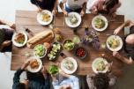 Descubre 10 malos hábitos alimenticios que solemos repetir a diario